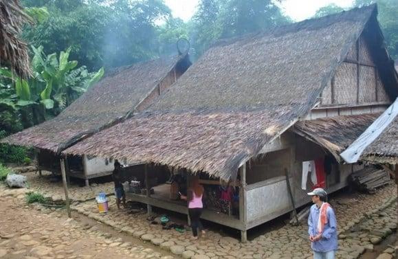 Bangunan-Rumah-Adat-Banten
