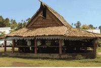 Rumah-Adat-Maluku-Bangunan-Struktur-Properti-Ornamen